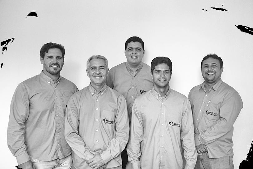 Foto dos 5 técnicos da Ranger SMS